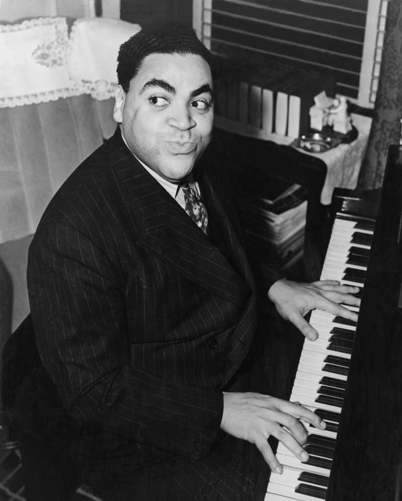 Fats Waller playing jazz standards