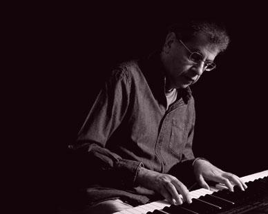 Paul Abrahams playing jazz piano